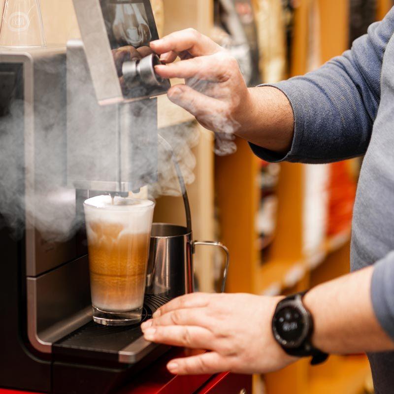 Beratung bei Kaffeemaschinen Cavaleri